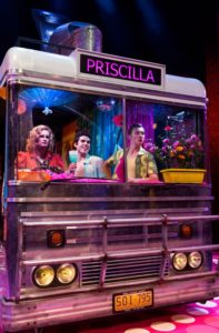 Showbiz-Priscilla-bus